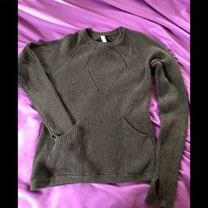 Lululemon cozy cabin sweater size 8